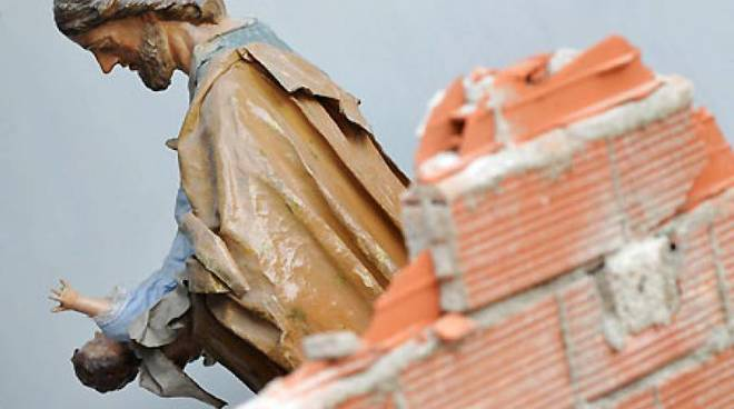 statua terremoto