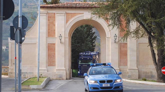 polizia porta napoli