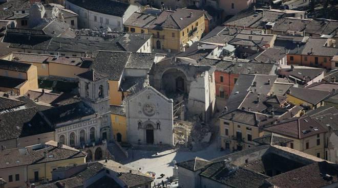centro italia dall'alto