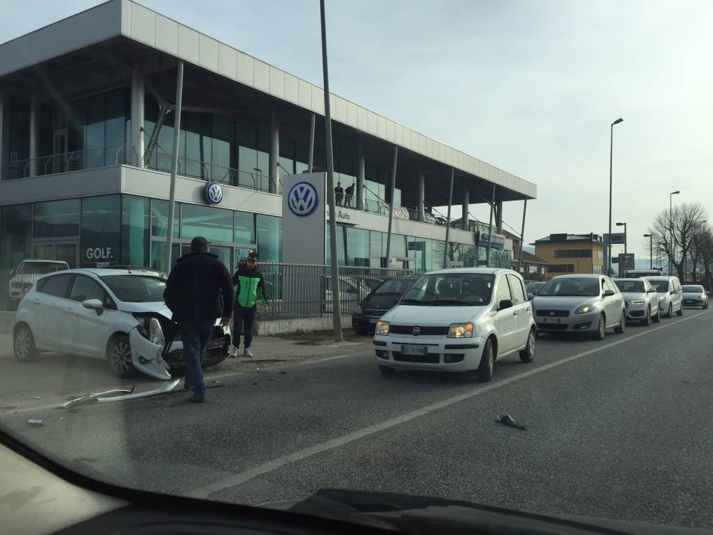incidente auto bazzano