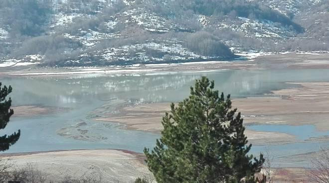 campotosto lago