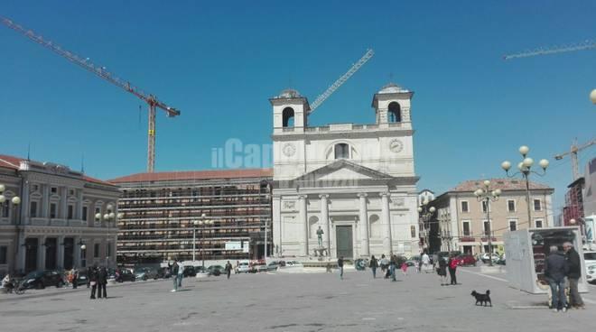 L'aquila, centro storico, piazza duomo: aprile 2017