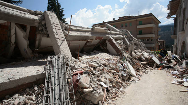 terremoto via campo di fossa