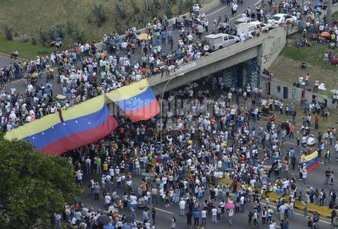 Venezuela,bocciato il presidente Maduro