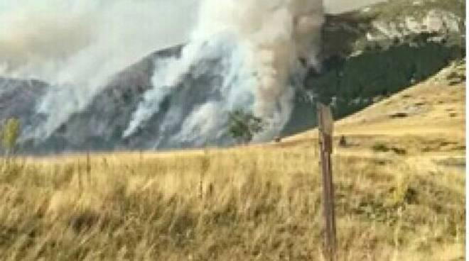 incendio fonte vetica 5 6 agosto 2017