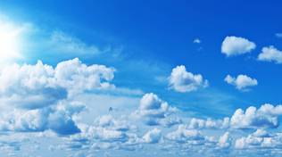 nuvoloso sole e nuvole