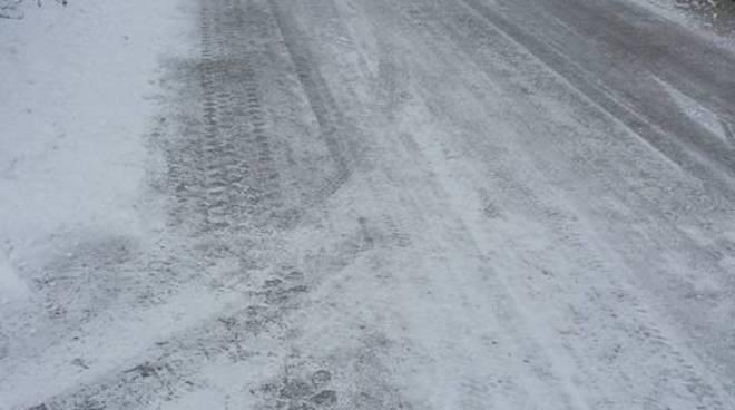 san giacomo e via acquasanta strade con ghiaccio