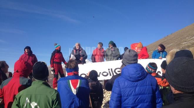 manifestazione #iovivoilgransasso ciaspolata sui sassi