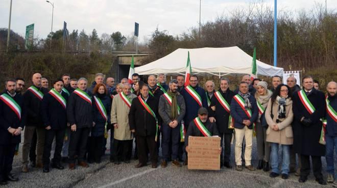 protesta contro pedaggi a24 sindaci