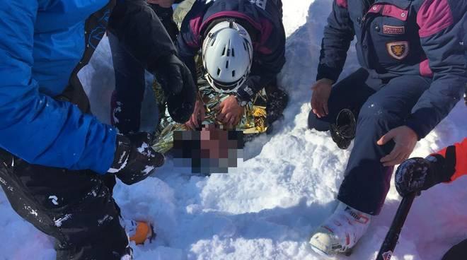 soccorso alpino sciatori travolti da valanga