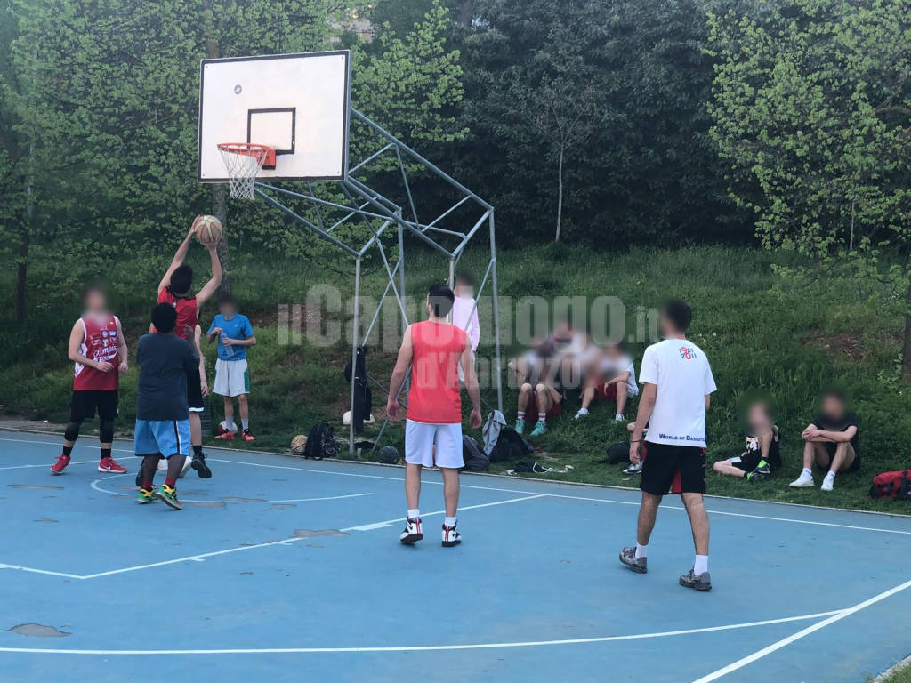 Campo da basket 39 minato 39 in via strinella il capoluogo for Il campo da basket