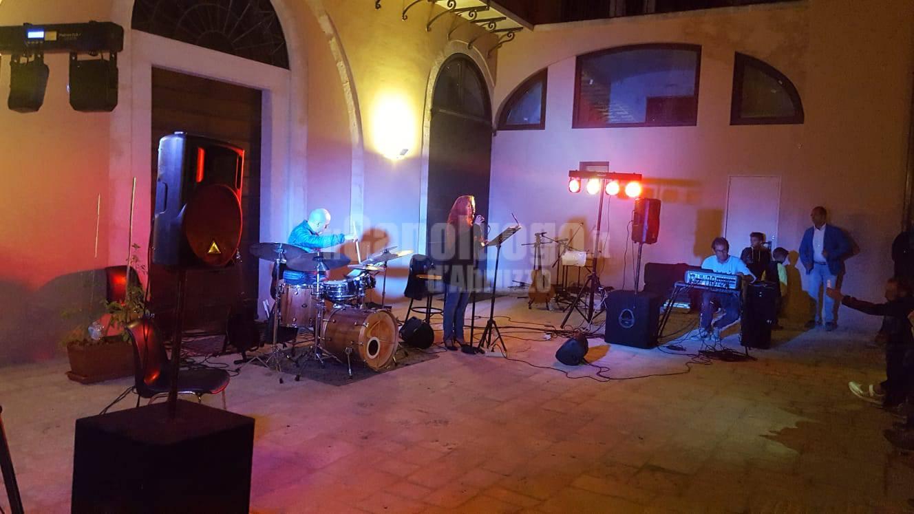 Musica e tanta gente con 'L'Aquila Suona' hanno riempito il centro storico dell'Aquila.