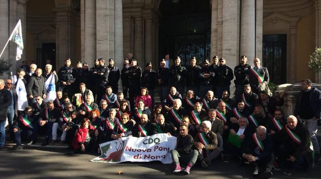 a24 sindaci in presidio