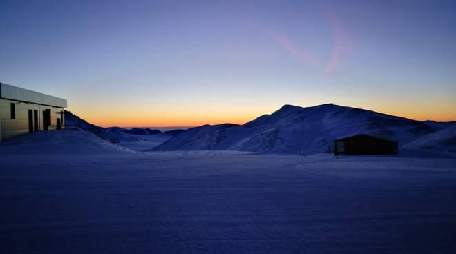 Alba campo imperatore gran sasso neve