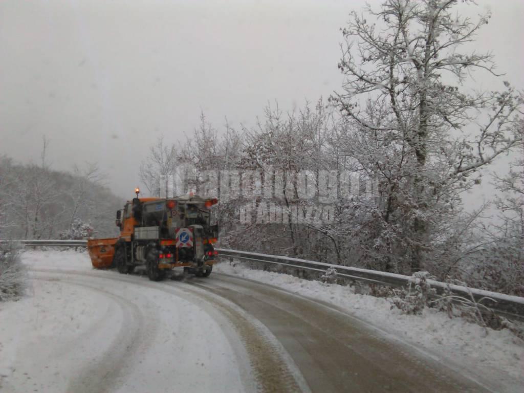 neve spazzaneve nevicata strade innevate inverno anas scuole chiuse