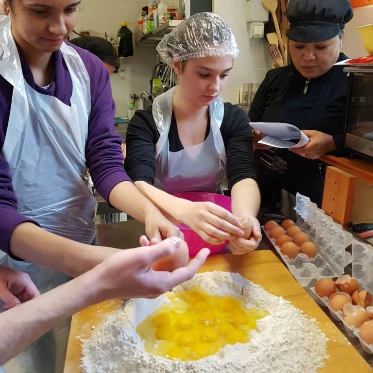 corso di cucina ragazzi russi villa sant'angelo