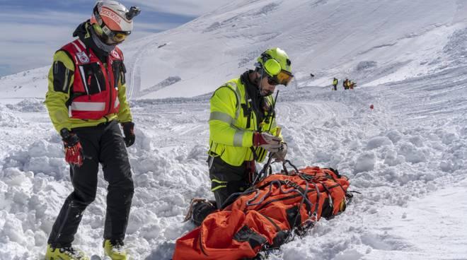 soccorso alpino Guardia di Finanza esercitazione