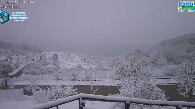 campotosto neve maggio