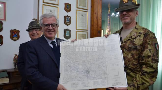 Il prefetto Linardi in visita al nono reggimento alpini