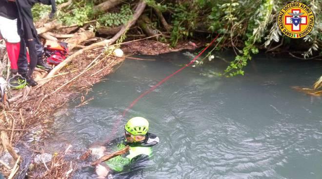 ritrovamento corpo vigili del fuoco fiume pescara