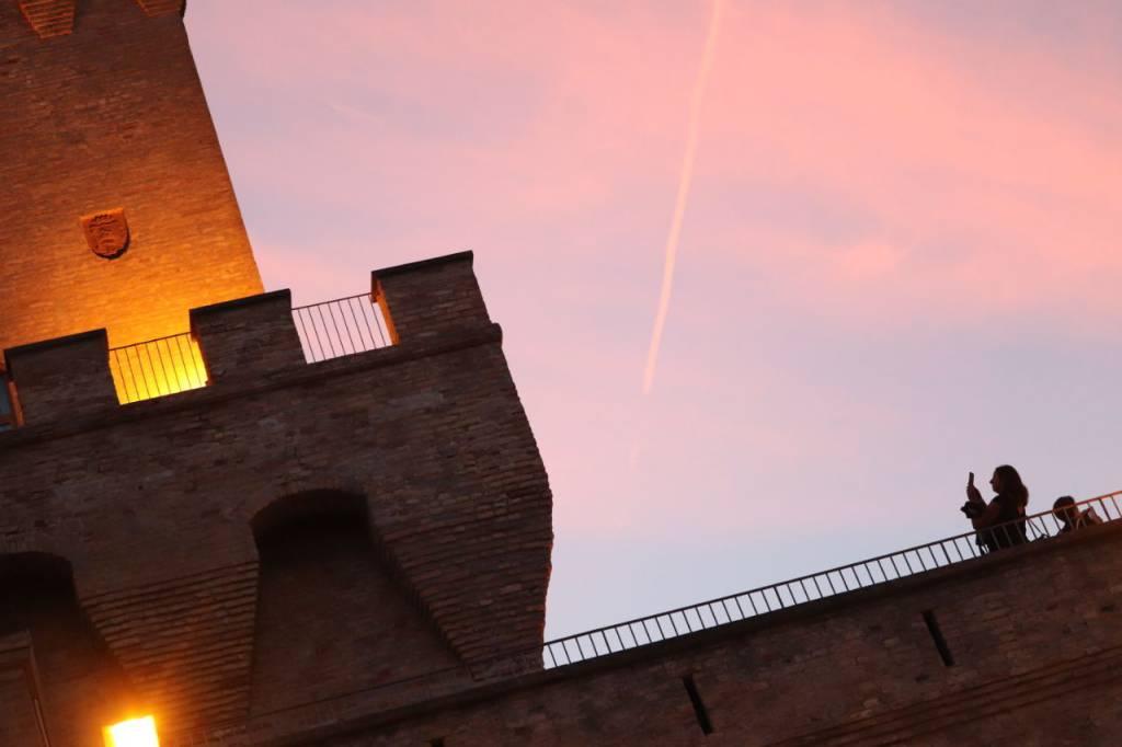 torre di cerrano calici al tramonto