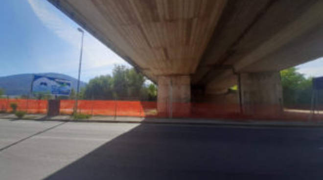 viadotto a24 su ss17 (distacchi cemento 12.10.19)