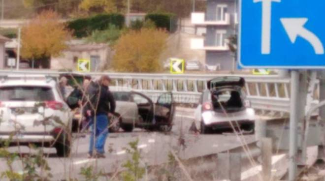 incidente superstrada statale 17