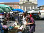mercato l'aquila piazza duomo
