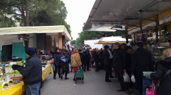mercato via pepe bancarelle pescara