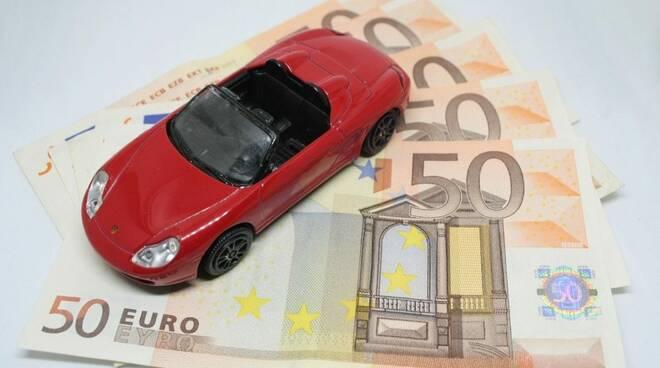 Rottamazione auto: bonus di 4000 Euro dallo Stato, ecco come richiederlo