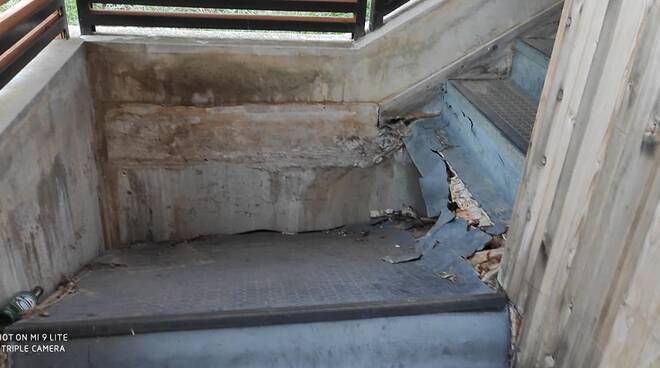 crollo scale cese di preturo