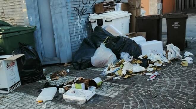 piazza duomo rifiuti