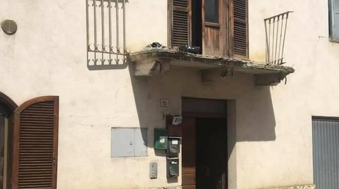 strettoia sassa balcone caduto 6 agosto