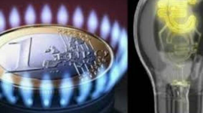 luce e gas aumenti