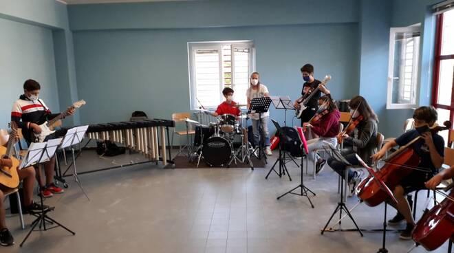 orchestra scuola media dante Alighieri l'aquila