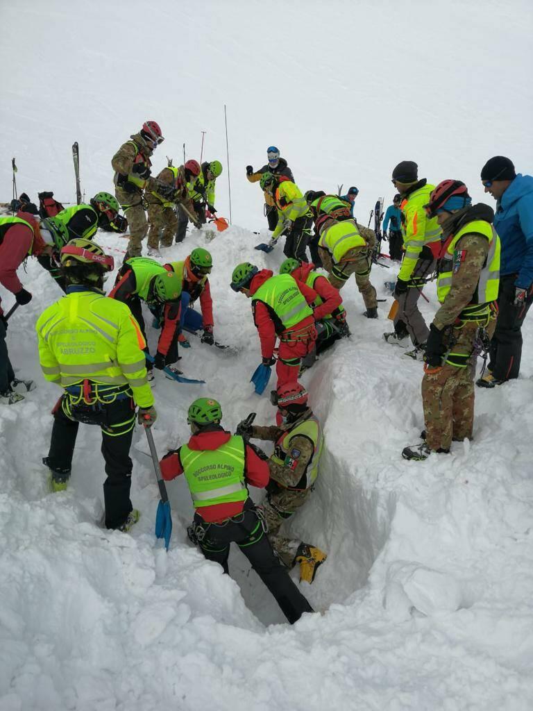 soccorso ricerche velino - alpini