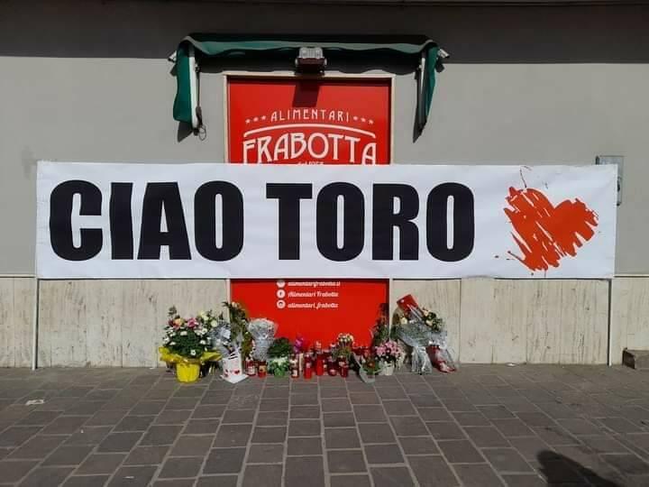 striscione d'addio Gianmauro Frabotta