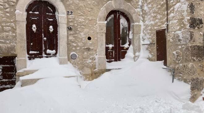 neve castel del monte