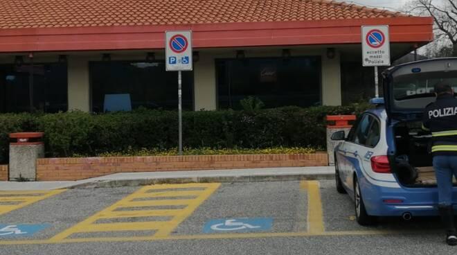 polizia stradale a24 parcheggio disabili