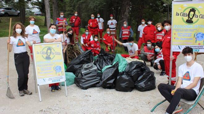 ecologia attiva nuova acropoli volontari rifiuti
