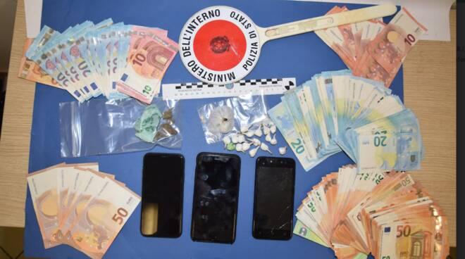 spaccio sequestro droga denaro l'aquila