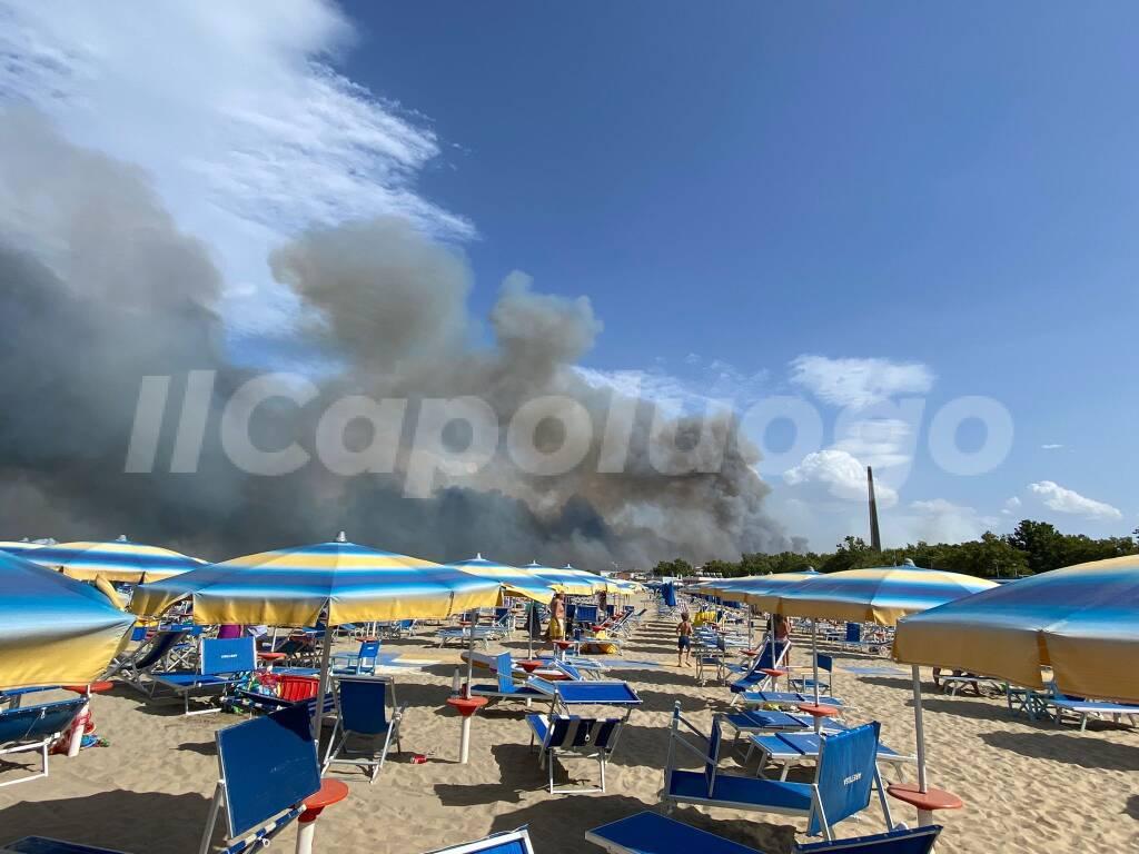 incendio pescara 1 agosto 2021
