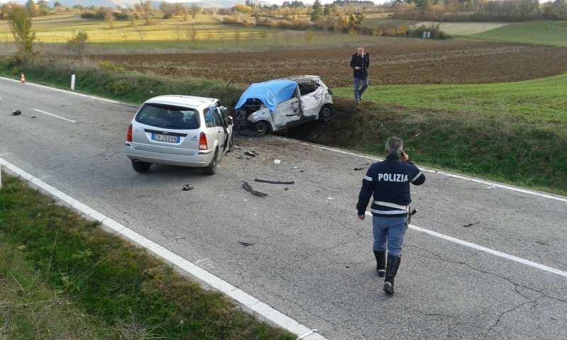 Incidente stradale a barisciano morte madre e figlia il capoluogo - Incidente giardini naxos oggi ...